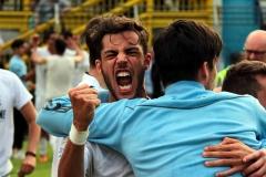 Calcio-Lecco-Seregno-Finale-Playoff-2016-Festeggiamenti-Barzaghi