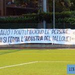 Tragedia di Genova, i tifosi del Lecco: «Le tragedie non fermano l'industria del pallone»