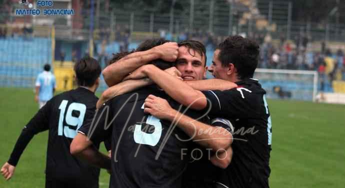 Davide-Castagna-Calcio-Lecco-33-690×377