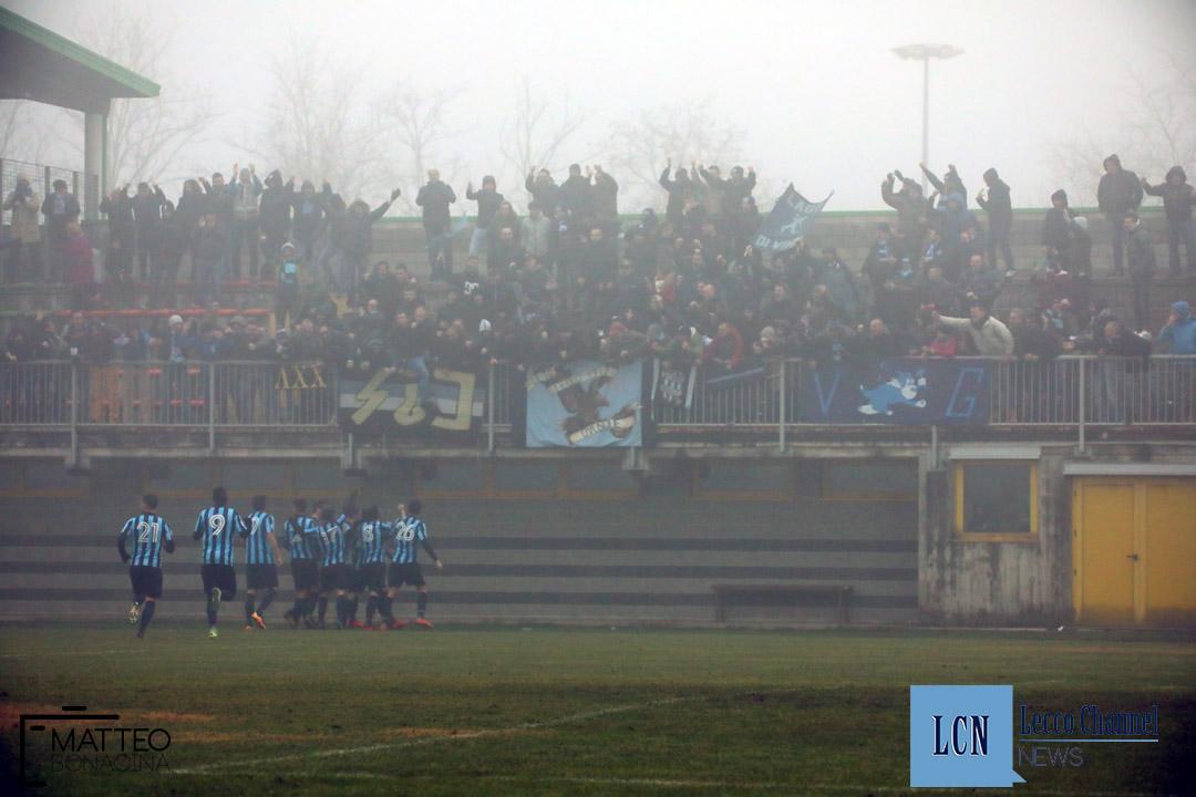 Calcio Lecco Arconatese campionato Serie D 23 Dicembre 2018 (28) esultanza tifosi
