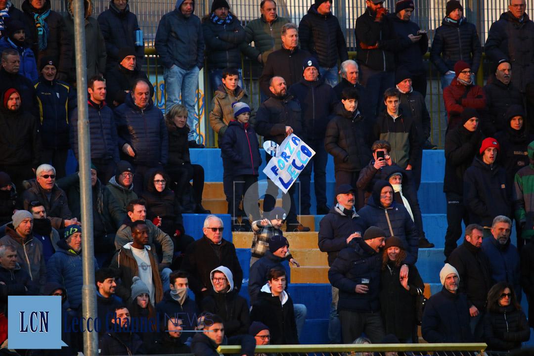 Calcio Lecco Casale 20 Gennaio 2019 Serie D Campionato (11) Bambino Striscione